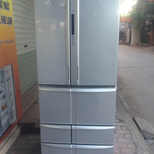 Tủ lạnh Toshiba GR - B61F(S) hàng mới nhập